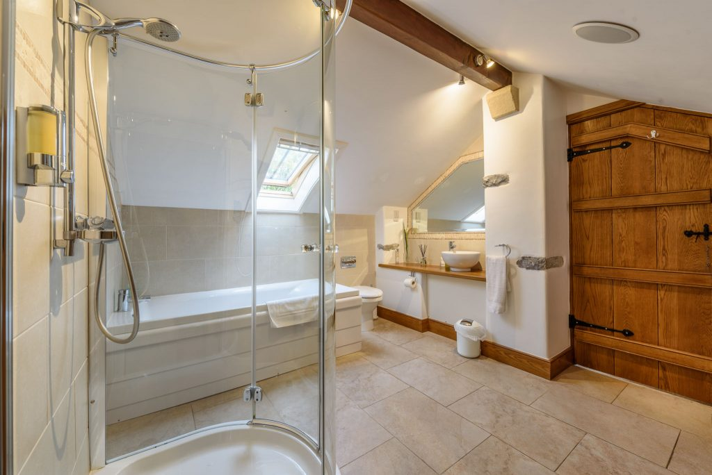 Modern En Suite to master bedroom with bath and shower